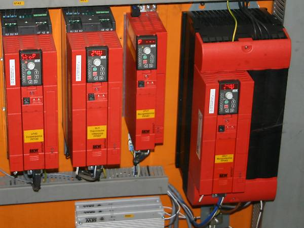 Inverters controlling the gearmotors from SEW-EURODRIVE